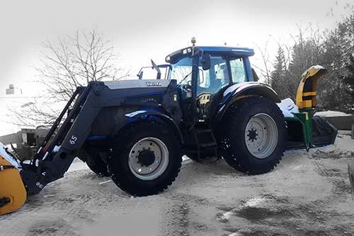 Valtra T151 traktori